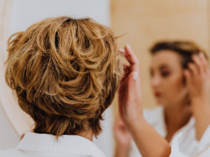 ¡Evita la caída estacional del cabello desde ya!
